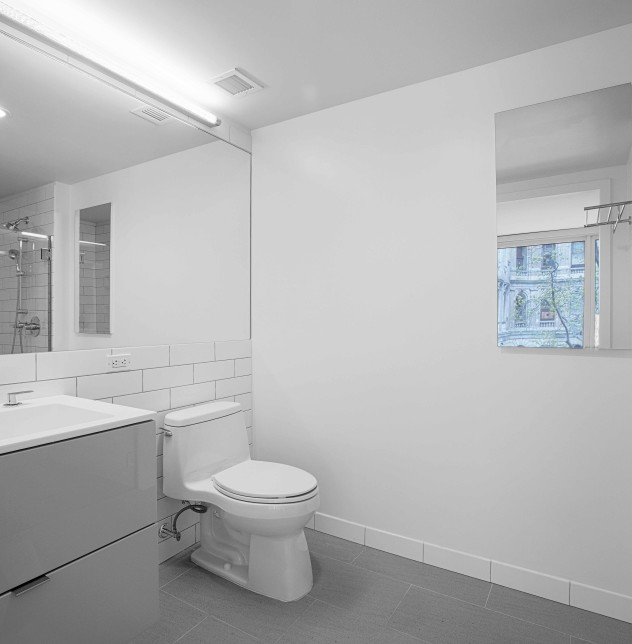 Enclave - Unit 412 Bathroom