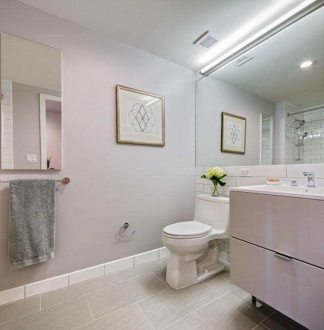 Enclave - Unit 929 Bathroom