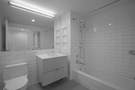 Enclave - Unit 1126 Bathroom