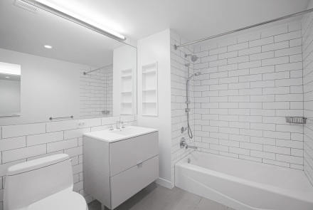 Enclave - Unit 418 Bathroom
